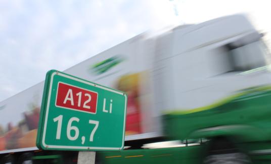 A12 vrachtwagen snelweg