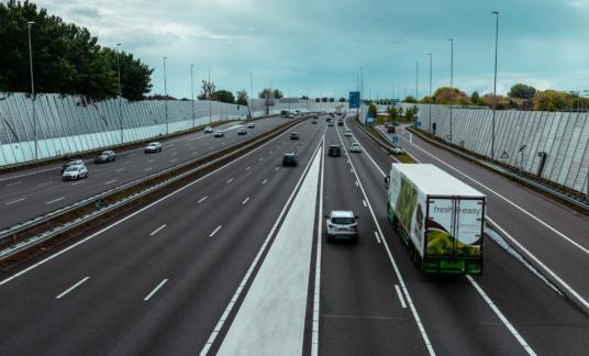 Ring A10 snelweg vrachtauto – Amsterdam